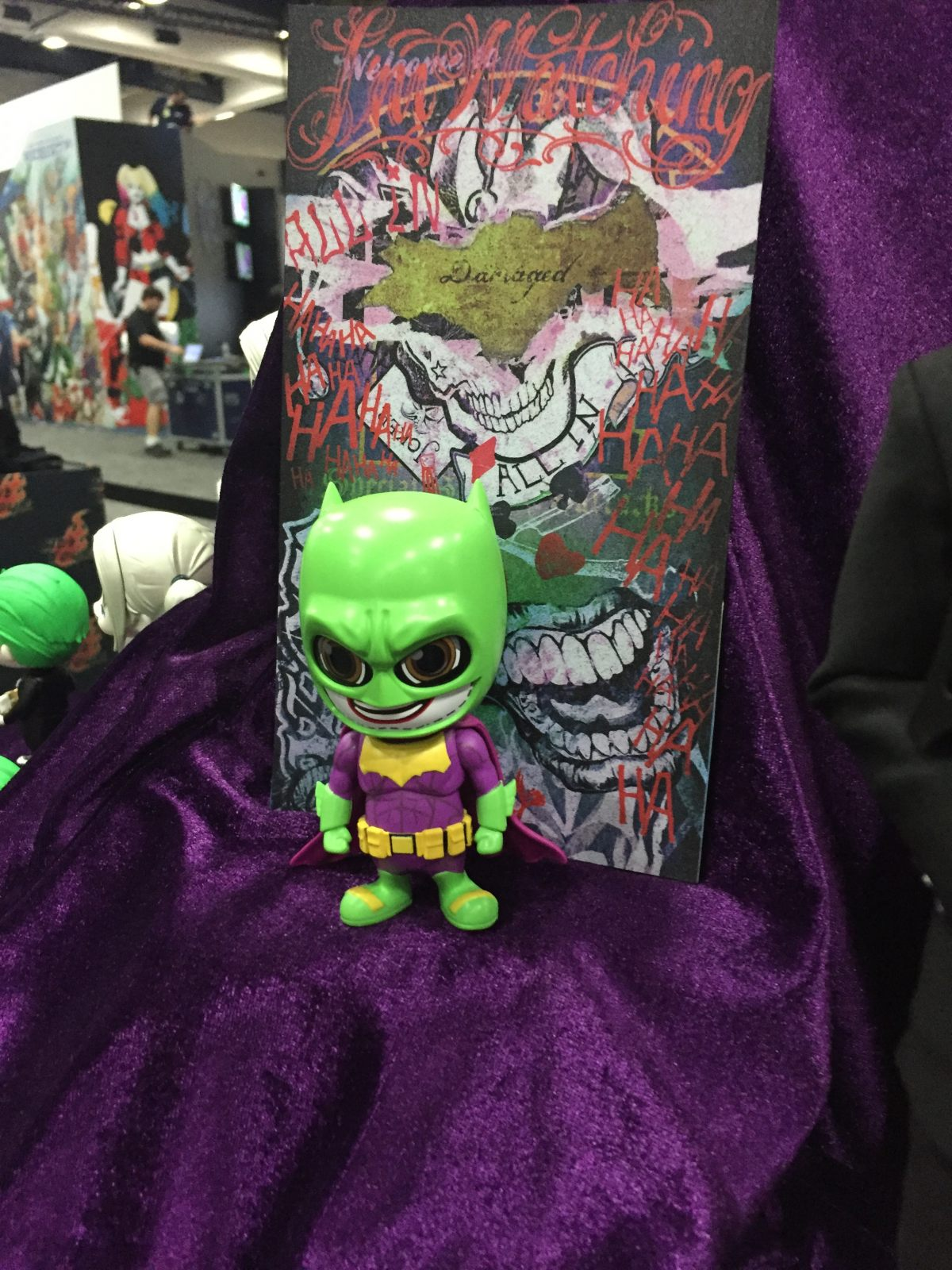 suicide squad le joker va t il voler le costume de batman actualit film. Black Bedroom Furniture Sets. Home Design Ideas