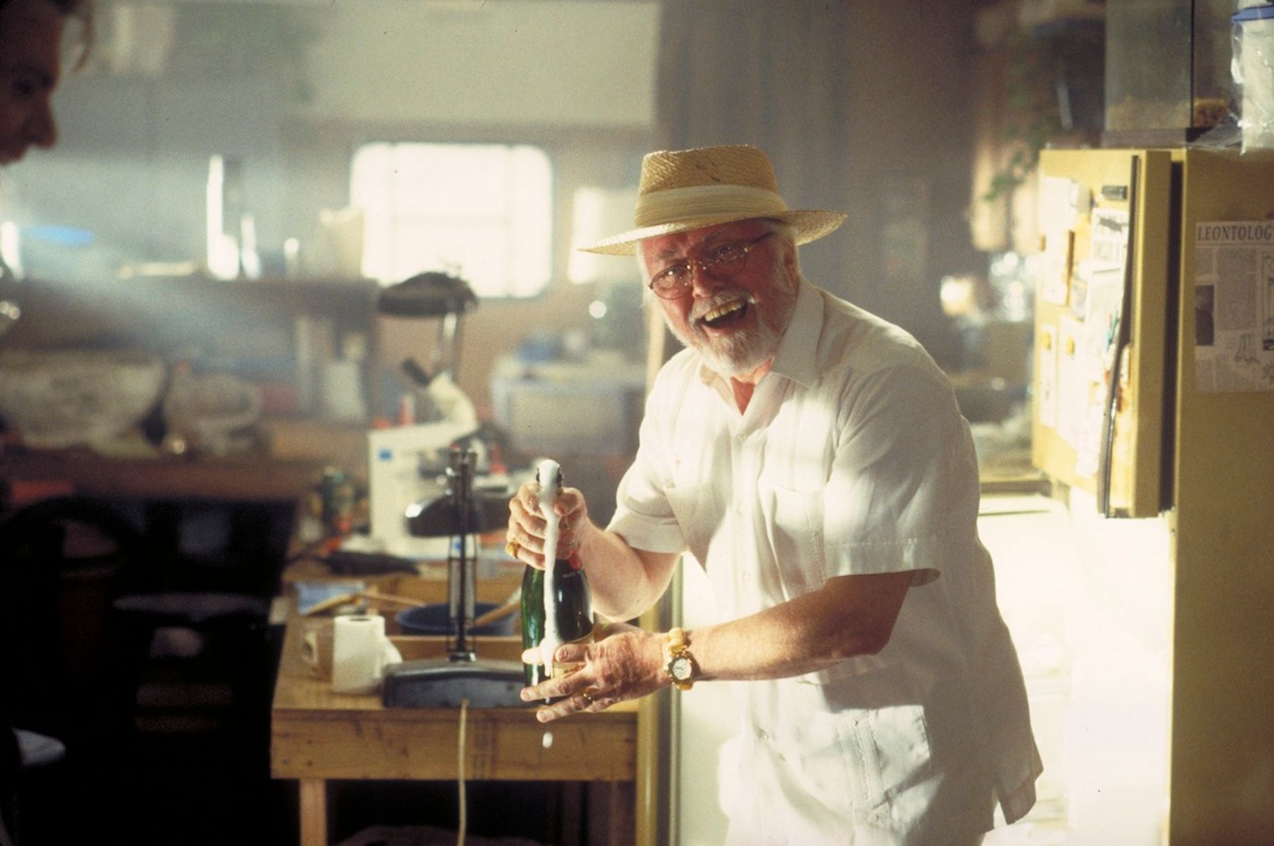 jurassic-park-photo-richard-attenborough-985522.jpg