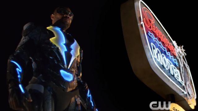 Premier trailer électrique de la nouvelle série DC Comics — Black Lightning