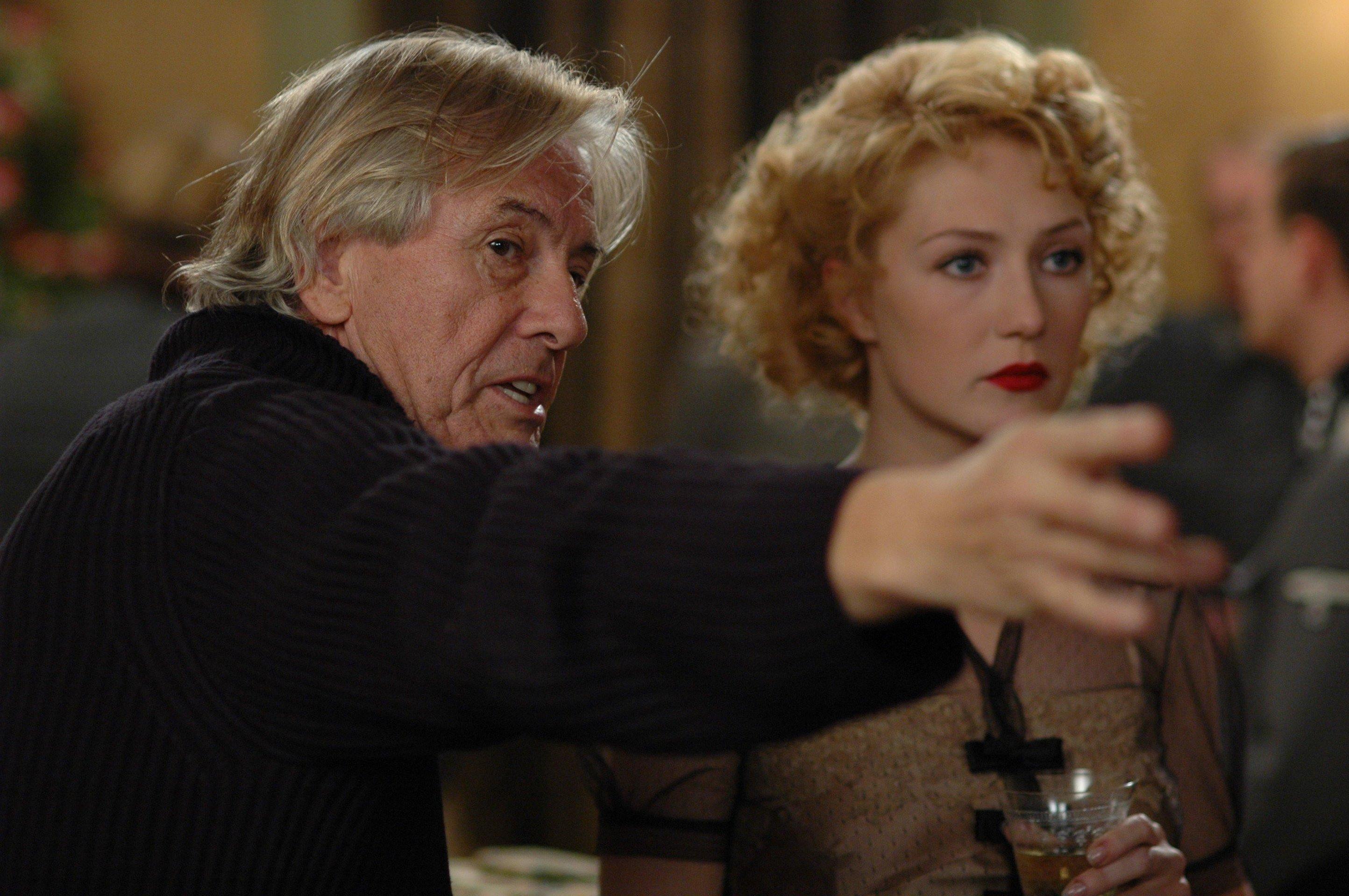 """Paul Verhoeven défend Showgirls : """"Mon film le plus élégant ..."""