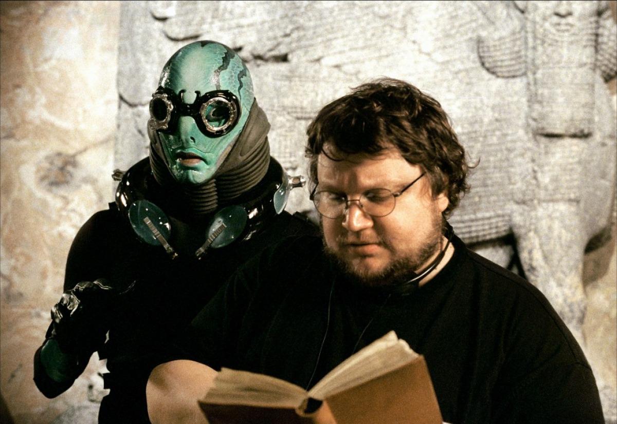 Guilhermo Del Toro regarding tout guillermo del toro : hellboy, le démon mal-aimé - dossier